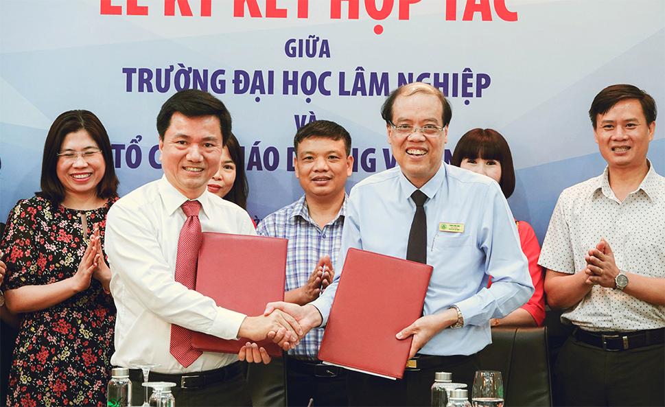 Lễ ký kết hợp tác giữa Trường Đại học Lâm nghiệp và Tổ chức giáo dục IIG Việt Nam