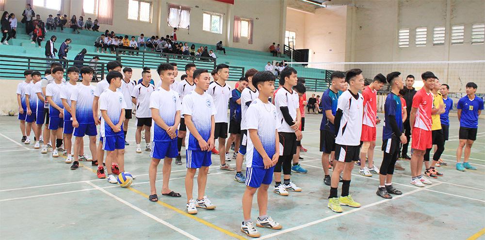 Trường Đại học Lâm nghiệp tổ chức Giải bóng chuyền nam CBVC và HSSV năm 2020
